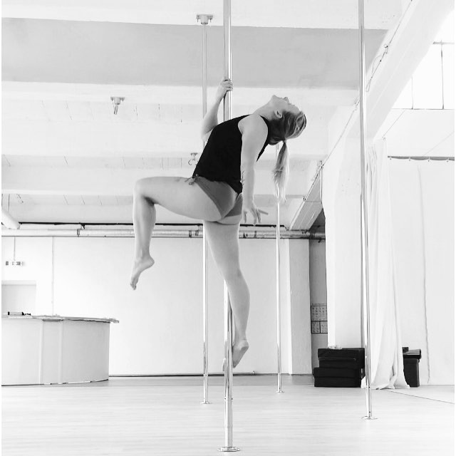 Aerial Dance Hood Ornament Variation. Jenny im Polestructions Studio.