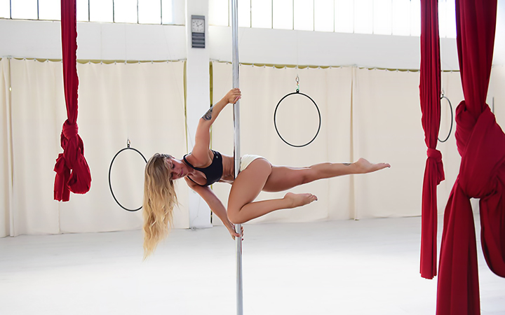 Pole Dance Intermediate Workshop 01.10.2017